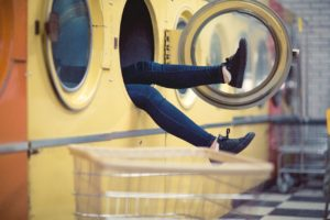 【汚れたらどうする?】スニーカーの洗い方や影響について